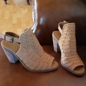 Jessica Simpson block heel shoes